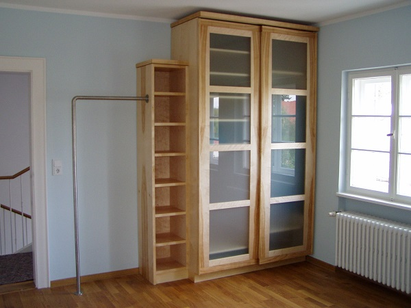 schr nke kleiderschrank aus birke manuform. Black Bedroom Furniture Sets. Home Design Ideas
