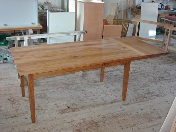 Kirschbaumtisch mit Ansteckplatte