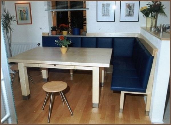 Eckbank mit Lederbezug Tisch mit Schub