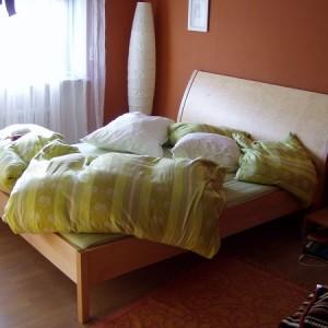 Ahorn Bett mit gebogenen Kopfteil