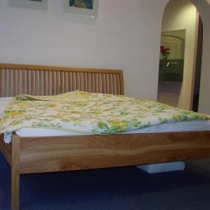 Kirschbaum Bett mit Sprossen