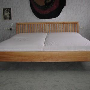 Erlen Bett